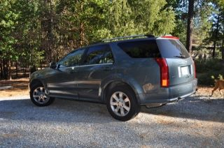 2006 Cadillac Srx Base Sport Utility 4 - Door 4.  6l photo