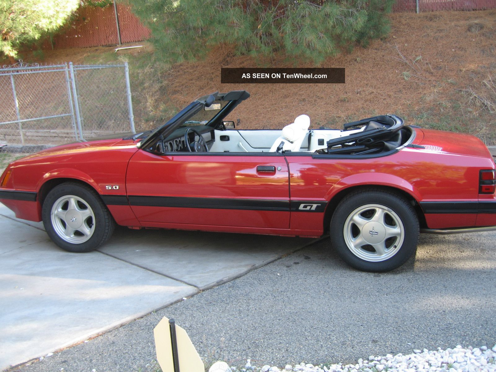 1985 Ford Mustang Gt Convertible 5.  0l Mustang photo