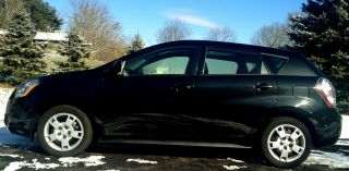 2009 Pontiac Vibe 4 Door - photo