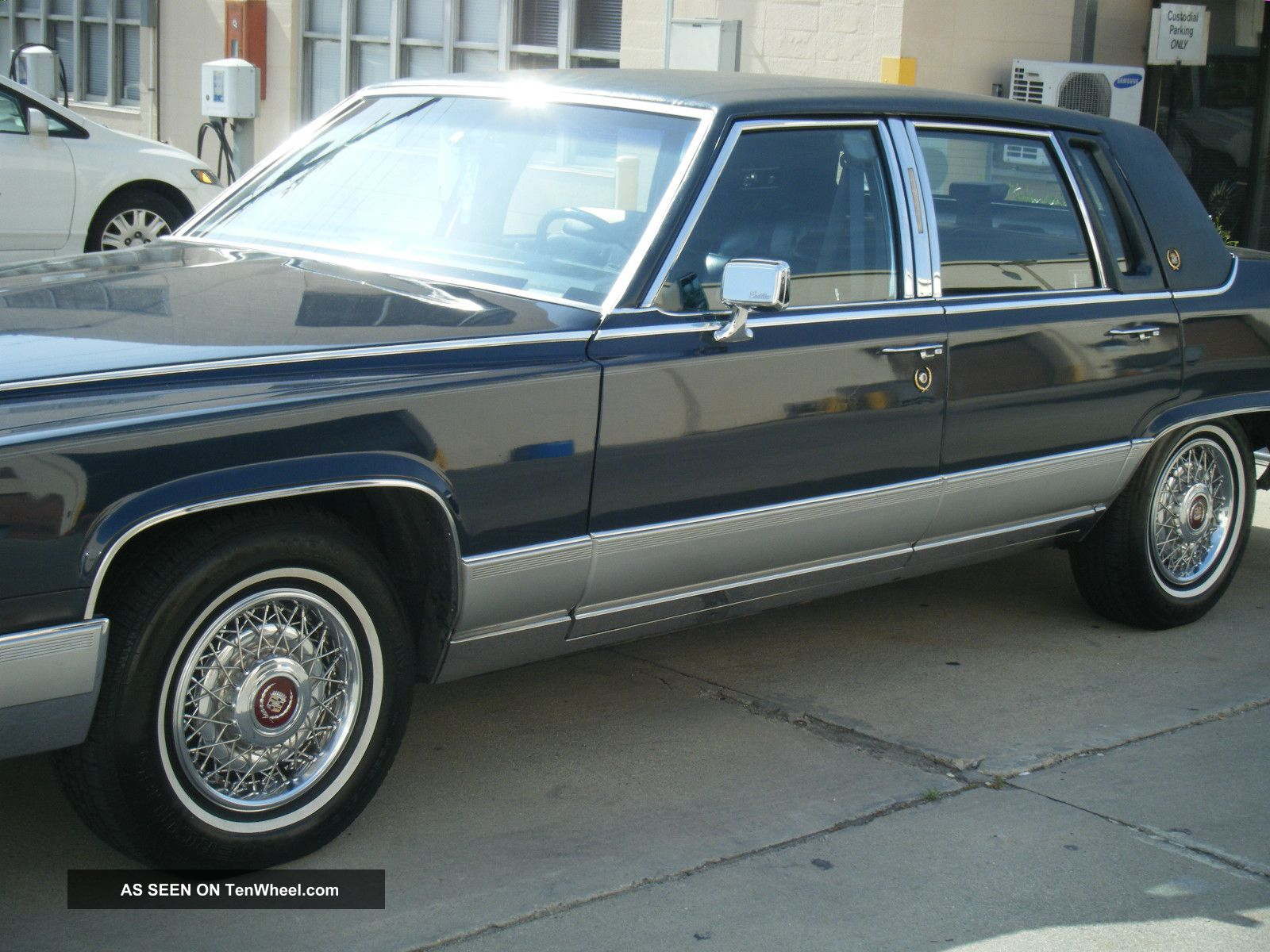 1990 cadillac fleetwood brougham sedan 4 door fleetwood photo. Cars Review. Best American Auto & Cars Review