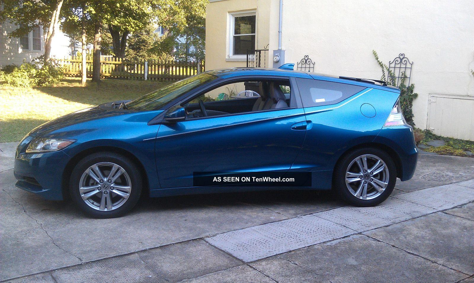 Honda2+Door 2011 Honda Cr - Z Base Hatchback 2 - Door 1. 5l CR-Z photo