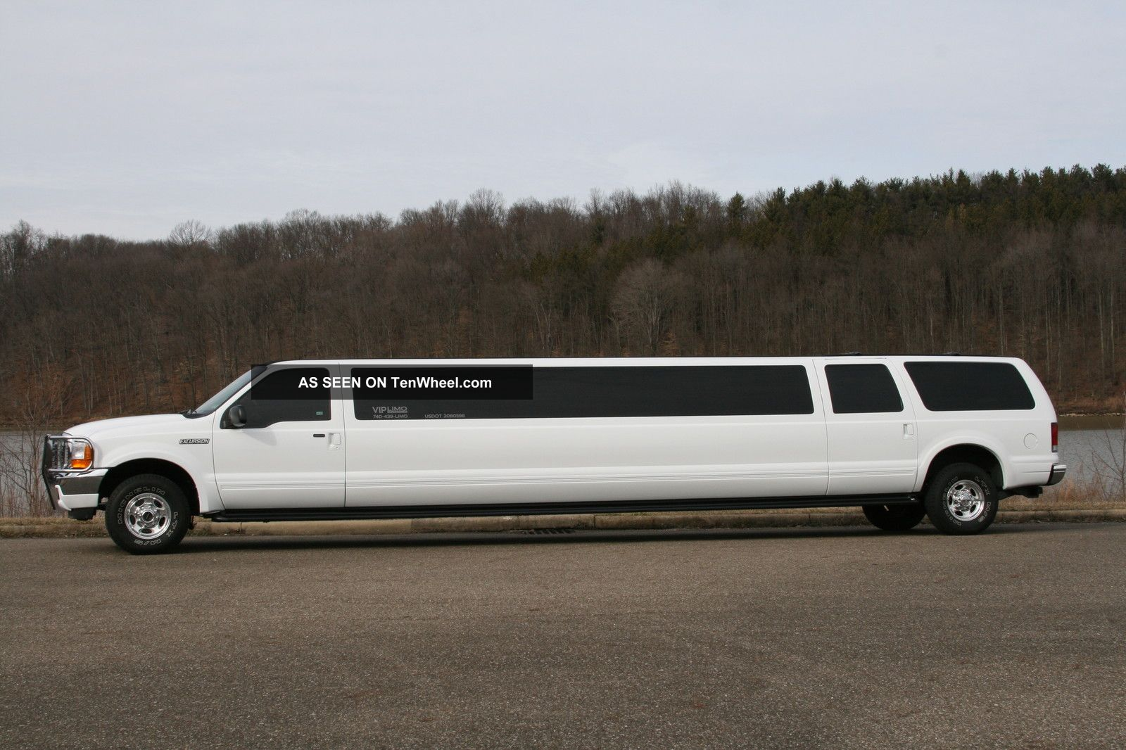 Limo 2012 Ford Excursion 4x4 Stretch Limousine Suv