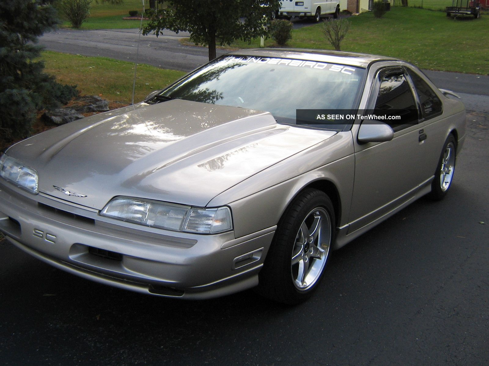 1990 Ford Thunderbird Coupe 2 Door 3 8l