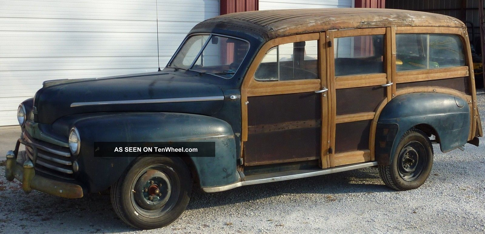 1948 Ford Deluxe Woodie Wagon