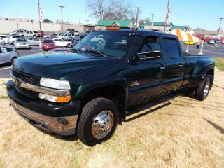 Duramax Diesel Crew Cab Long Bed 4x2 2002 photo