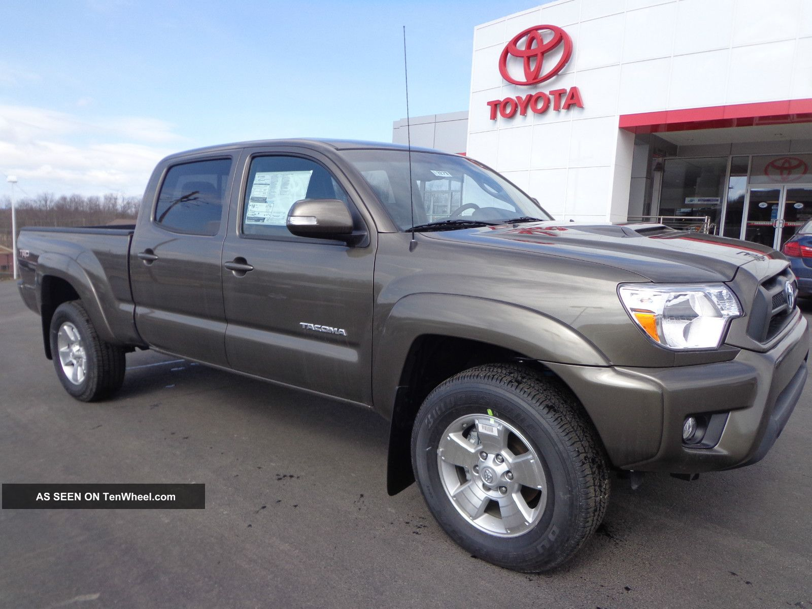 used 2013 toyota tacoma double cab features specs edmunds. Black Bedroom Furniture Sets. Home Design Ideas