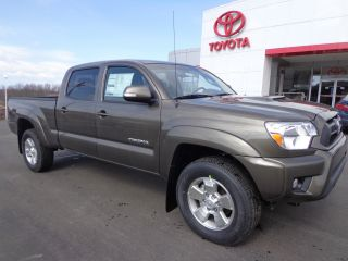 2013 Tacoma Double Cab Long Bed 4x4 4.  0l V6 Auto Trd Sport Rear Camera photo