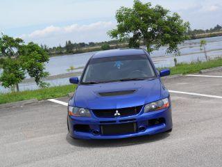 2005 Mitsubishi Lancer Evolution 8 photo
