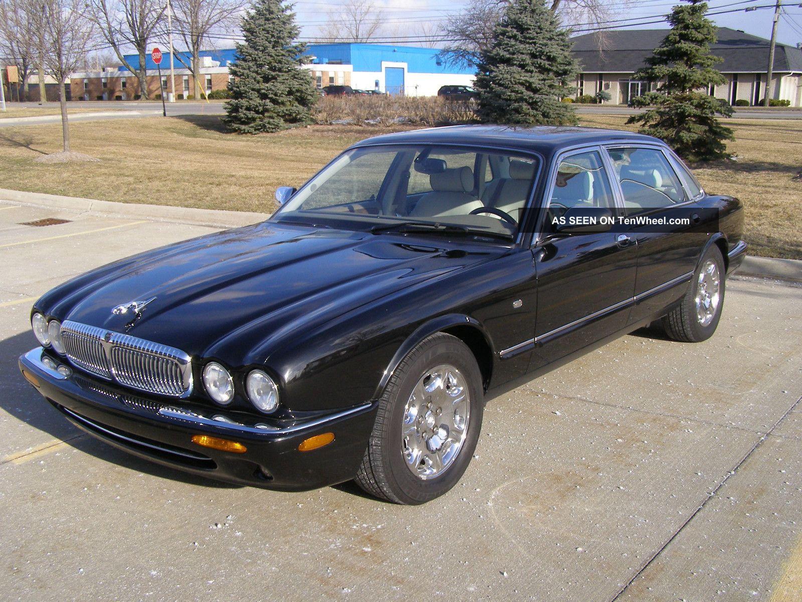 2001 jaguar xj8 base sedan 4 door 4 0l