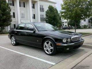 2006 Jaguar Xj8 Black photo