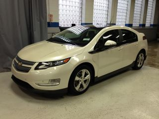 2012 Chevrolet Volt Hatchback 4 - Door Msrp $46,  165 photo
