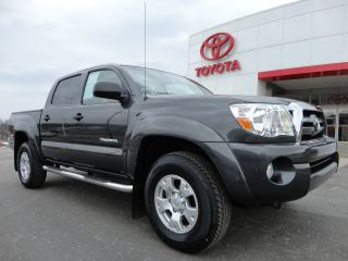 2009 Tacoma Double Cab 4x4 Sr5 Rear Camera 1 - Owner Toyota Video 32k Mi photo