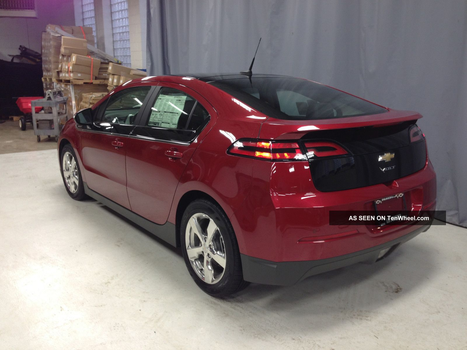 2012 chevrolet volt hatchback 4 door msrp 45 764. Black Bedroom Furniture Sets. Home Design Ideas