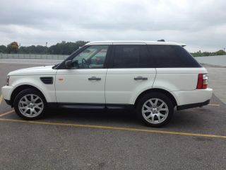 2008 White Range Rover Sport photo