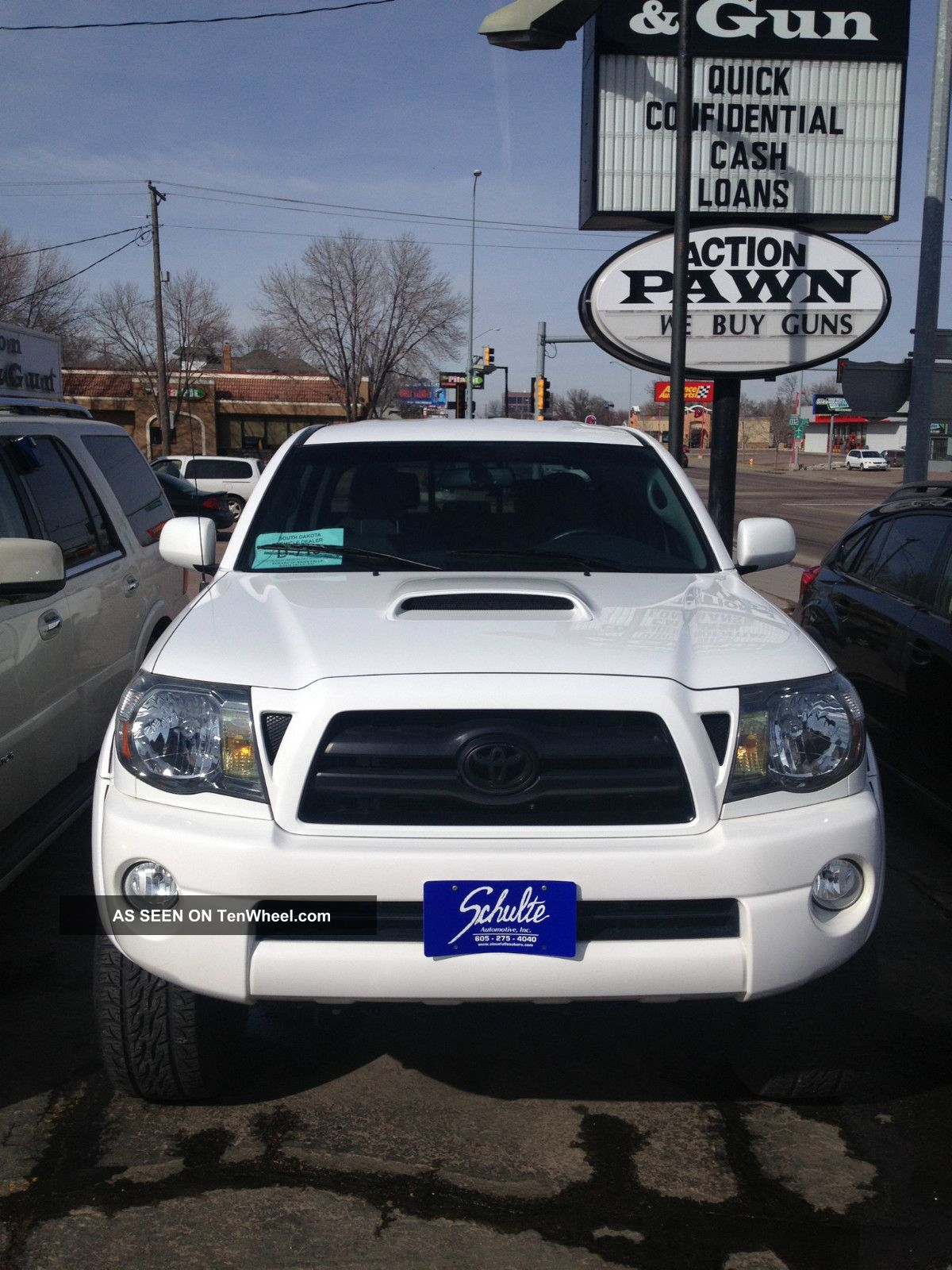 2009 Toyota Tacoma Pre Runner Crew Cab Pickup 4 - Door 4.  0l Tacoma photo