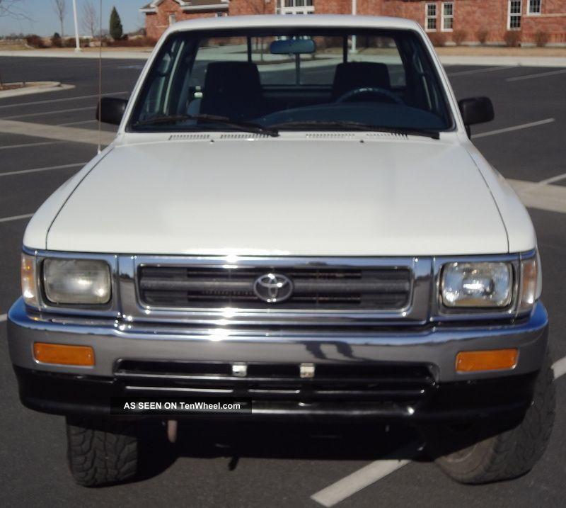 1993 Toyota Pickup Truck Hilux, 5