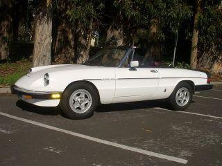 Alfa Romeo Spider Veloce 1985 photo