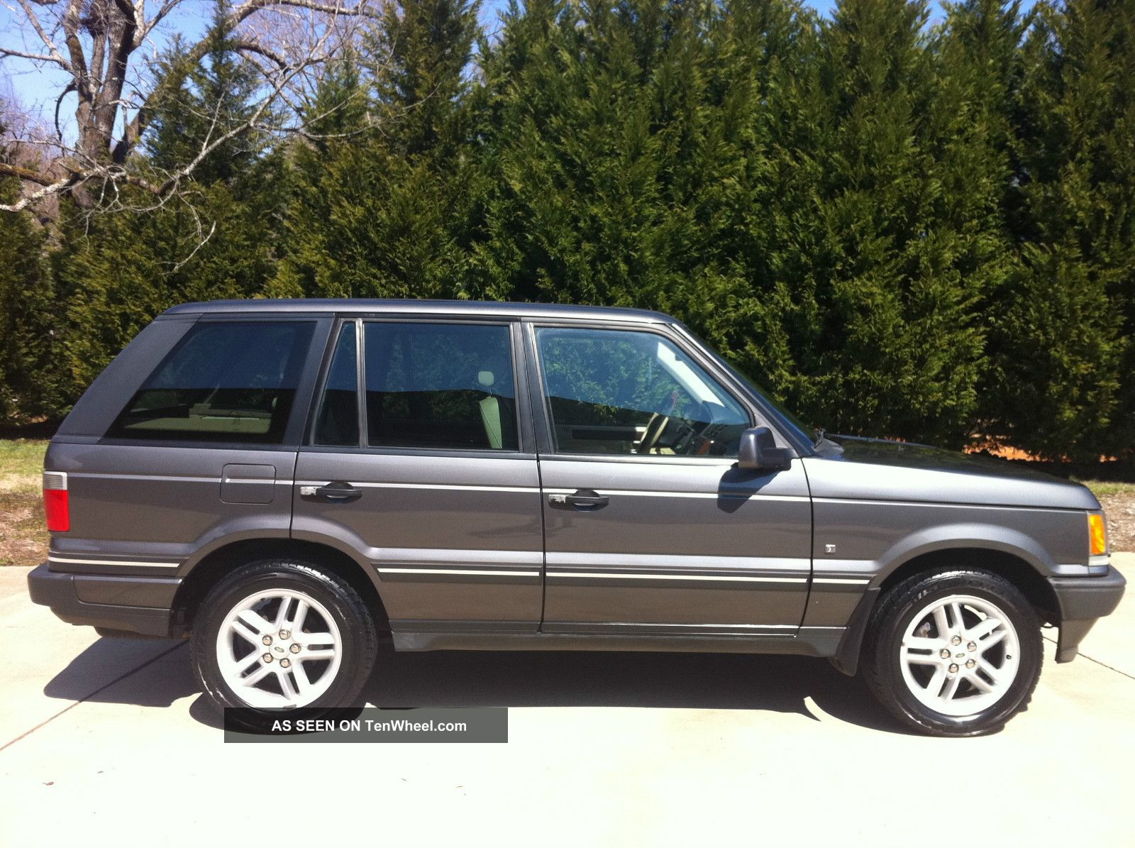 2002 land rover range rover hse sport utility 4 door 4 6l. Black Bedroom Furniture Sets. Home Design Ideas