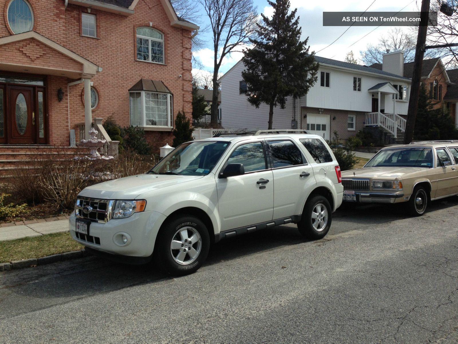 2010 Ford Escape Xlt Sport Utility 4 - Door 2.  5l Escape photo