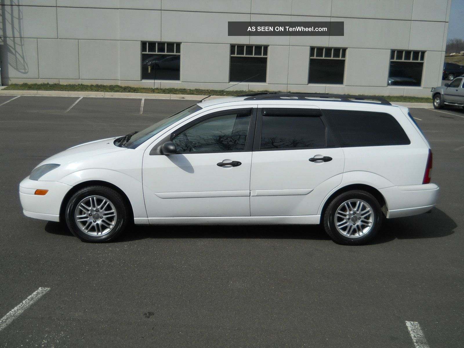 2003 ford focus zx5 wagon 4 door 2 0l automatic inspection. Black Bedroom Furniture Sets. Home Design Ideas