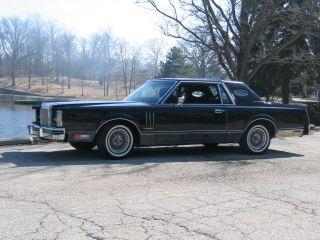 1982 Lincoln Mark Vi 2 Door Coupe In Triple Black photo