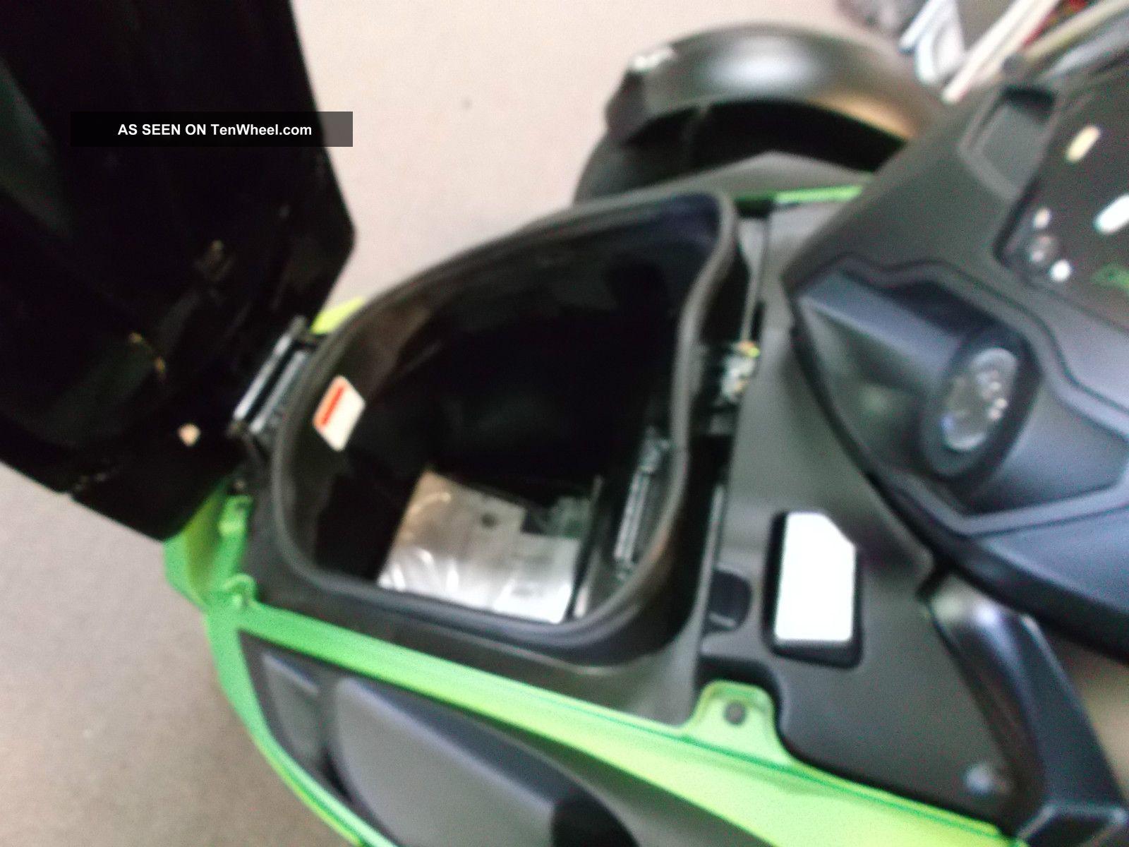 spyder roadster rs  se neutron green trike motorcycle bike war