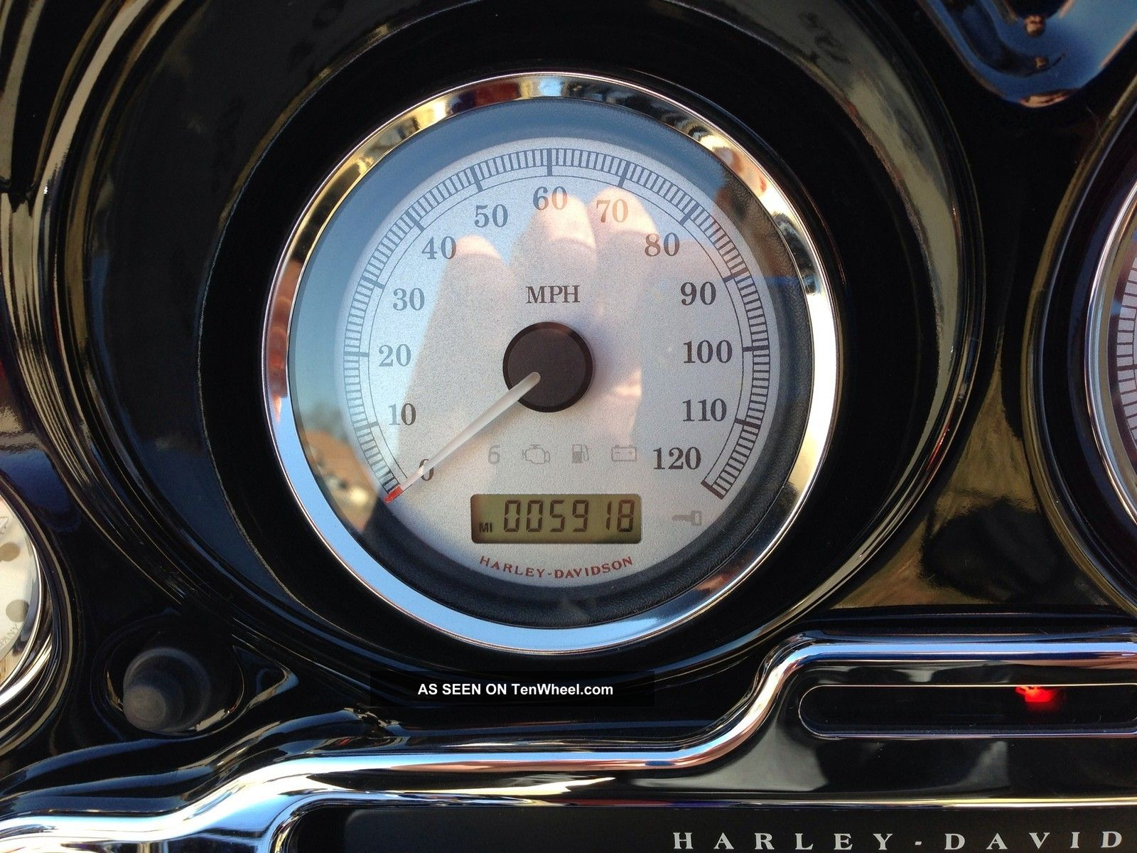 2011 Harley - Davidson Streetglide (close To Being A Screaming Eagle