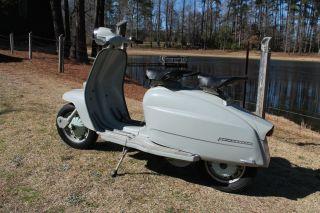 1964 Innocenti Lambretta 125 Scooter Vintage photo