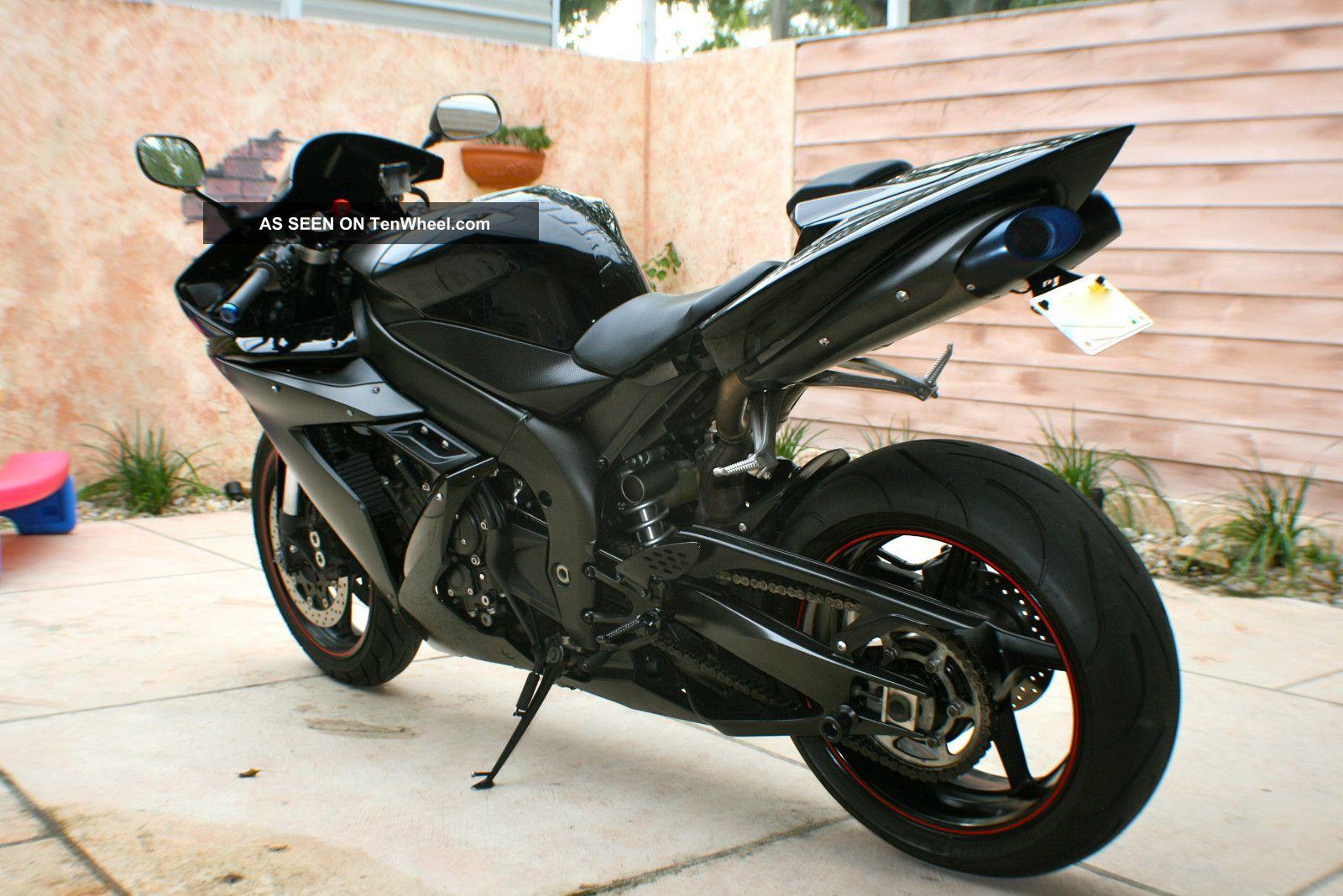2006 yamaha r1 raven