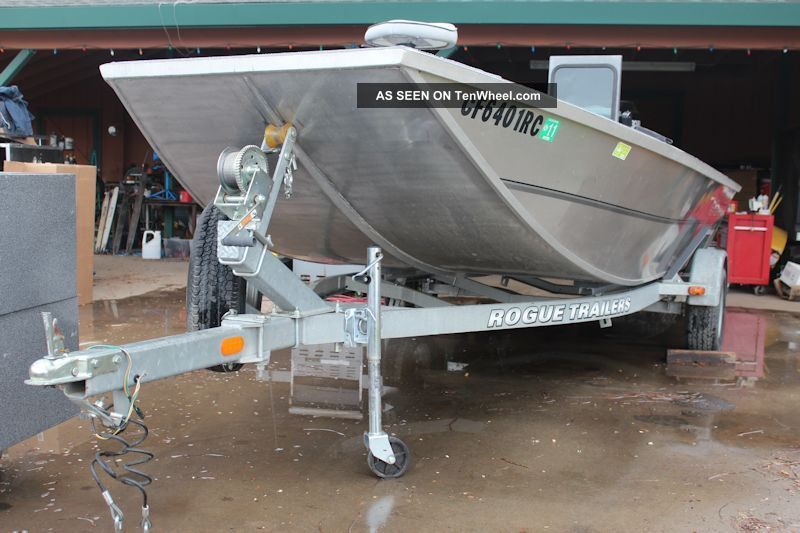 2004 alumaweld flat bottom for Flat bottom fishing boats