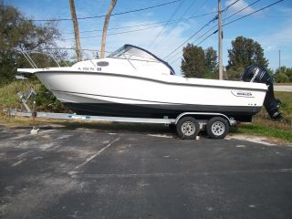 2010 Boston Whaler 235cq photo
