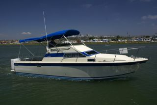 1979 Skipjack 28 Flybridge photo