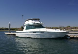 1975 Sea Ray 30 Flybridge photo