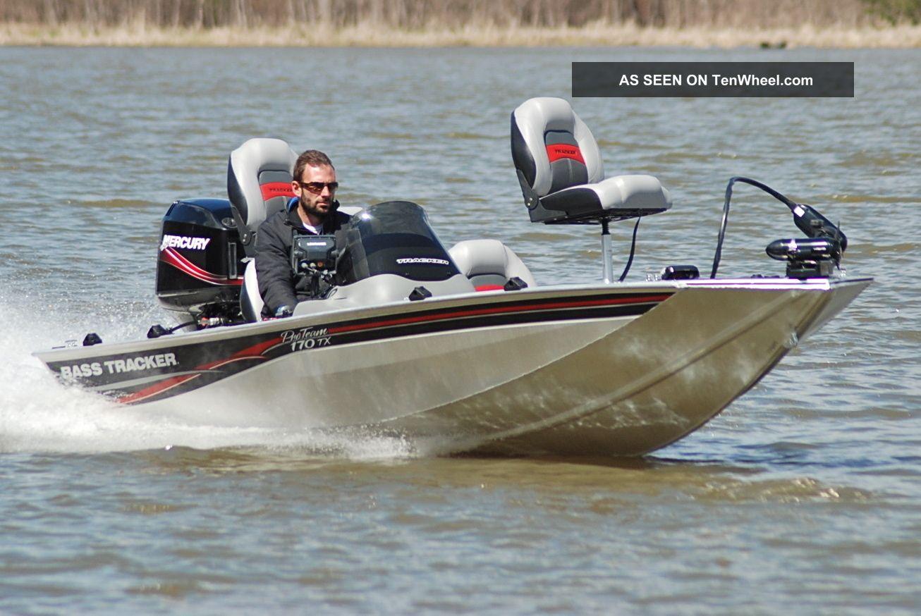 2009 Bass Tracker Pro Team 170 Tx Bass Fishing Boats photo