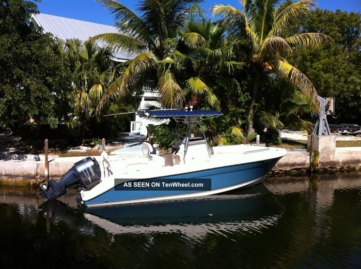 2007 Cobia 235 Center Console Sport Fisherman Offshore Saltwater Fishing photo