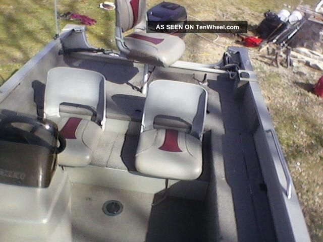 1998 Bass Tracker Pro V 16 Bass Fishing Boats photo