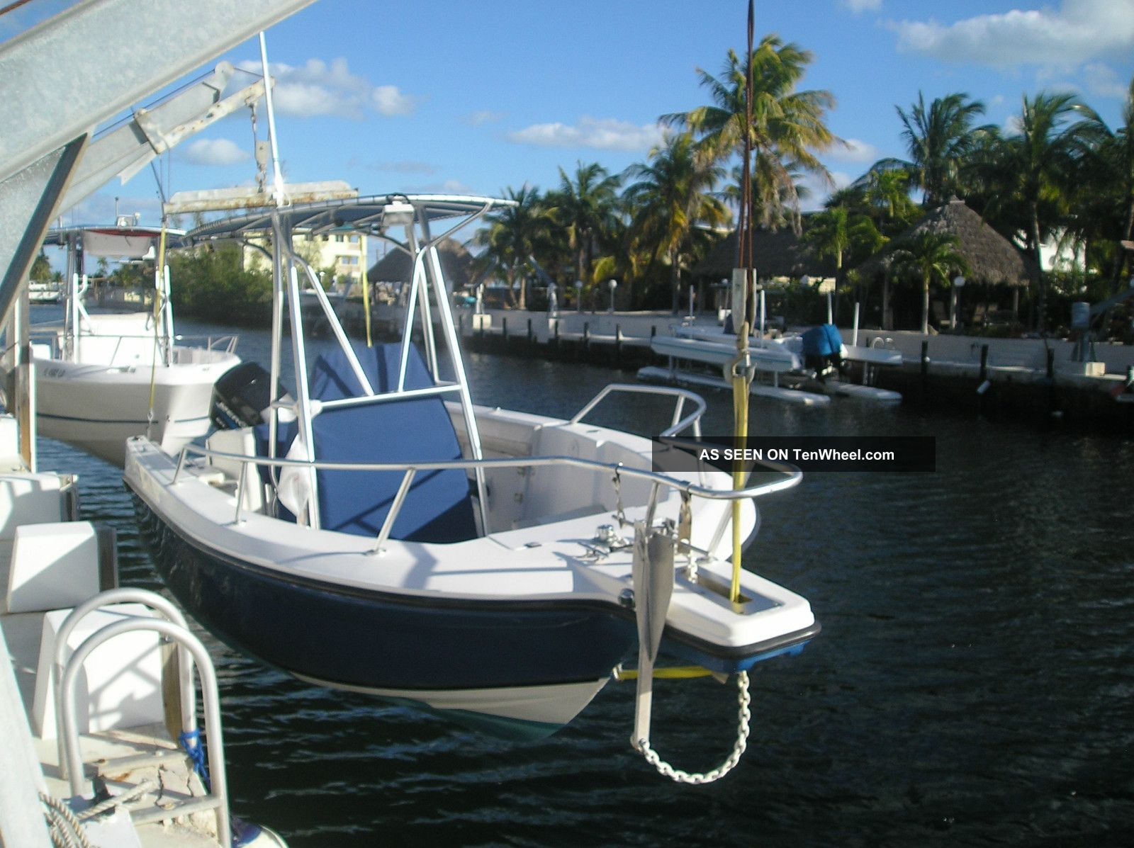 2001 Angler Boat 2100 Cc Inshore Saltwater Fishing photo