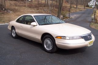 1995 Lincoln Mark Viii Base Sedan 2 - Door 4.  6l photo