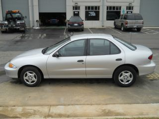 2000 Chevrolet Cavalier Base Sedan 4 - Door 2.  2l / Automatic / Car photo