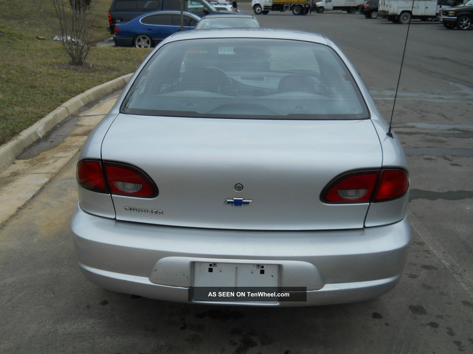 2000 chevrolet cavalier base sedan 4 door 2 2l for Door 2 door cars