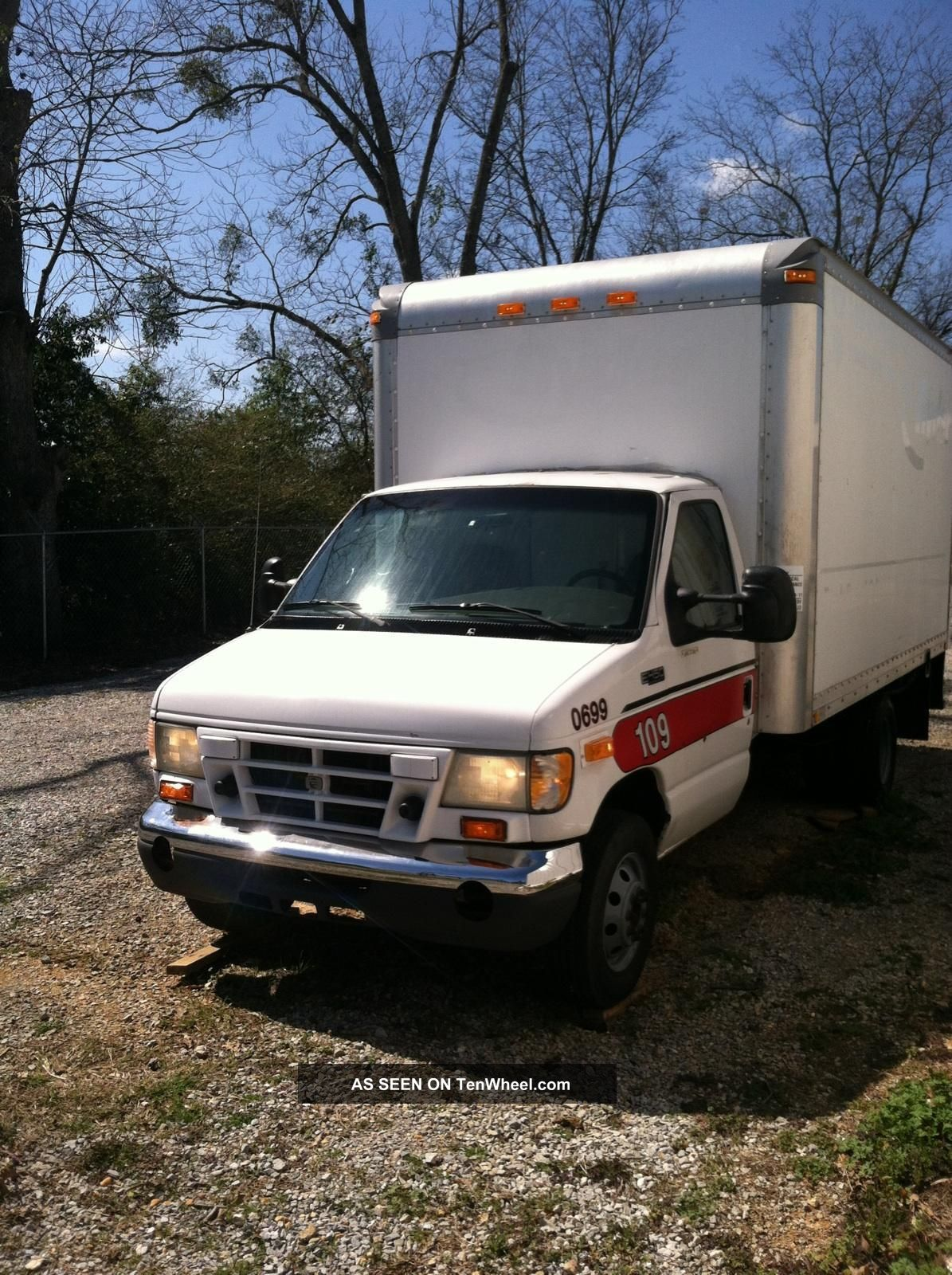 2002 Ford E - 450 Econoline Duty Custom Cutaway Van 2 - Door 7.  3l E-Series Van photo
