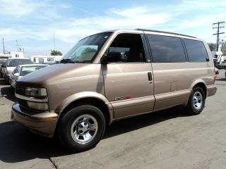 2001 Chevrolet Astro Base Extended Cargo Van 3 - Door 4.  3l, photo
