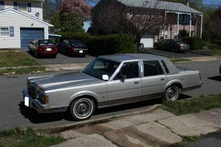 1989 Lincoln Town Car Base Sedan 4 - Door 5.  0l photo