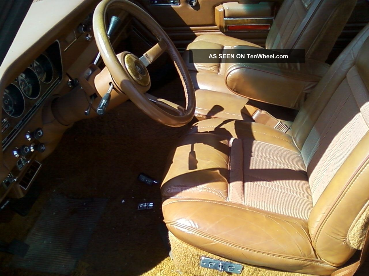 1983 Jeep Grand Wagoneer Limited 4x4 Interior