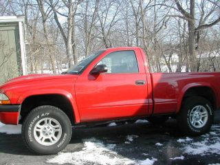 2001 Dodge Dakota Sport Standard Cab Pickup 2 - Door 4.  7l V8 4x4 Red photo