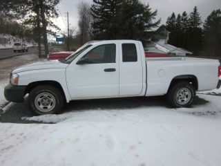 2006 Dodge Dakota St photo
