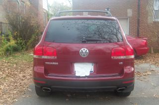 2004 Volkswagen Touareg V8 Sport Utility 4 - Door 4.  2l +74k Low Miles+ Make Offer+ photo