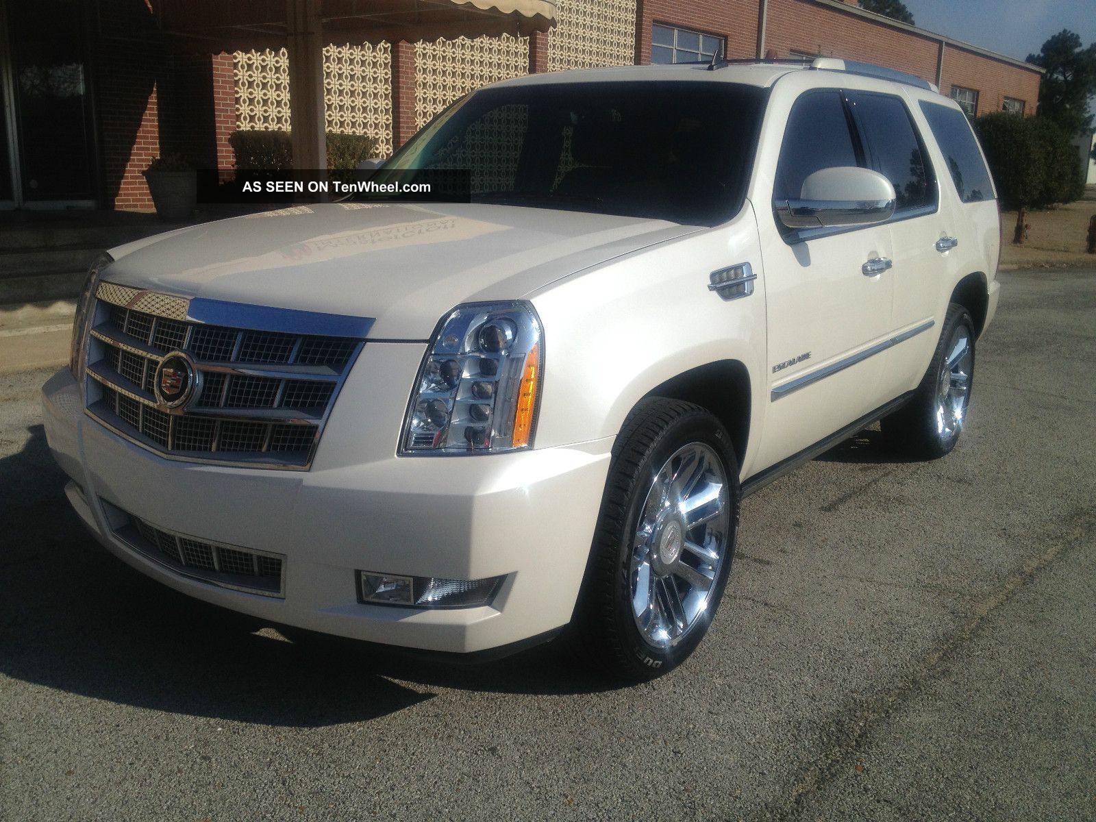 2010 Cadillac Escalade Platinum Sport Utility 4 - Door 6.  2l Escalade photo
