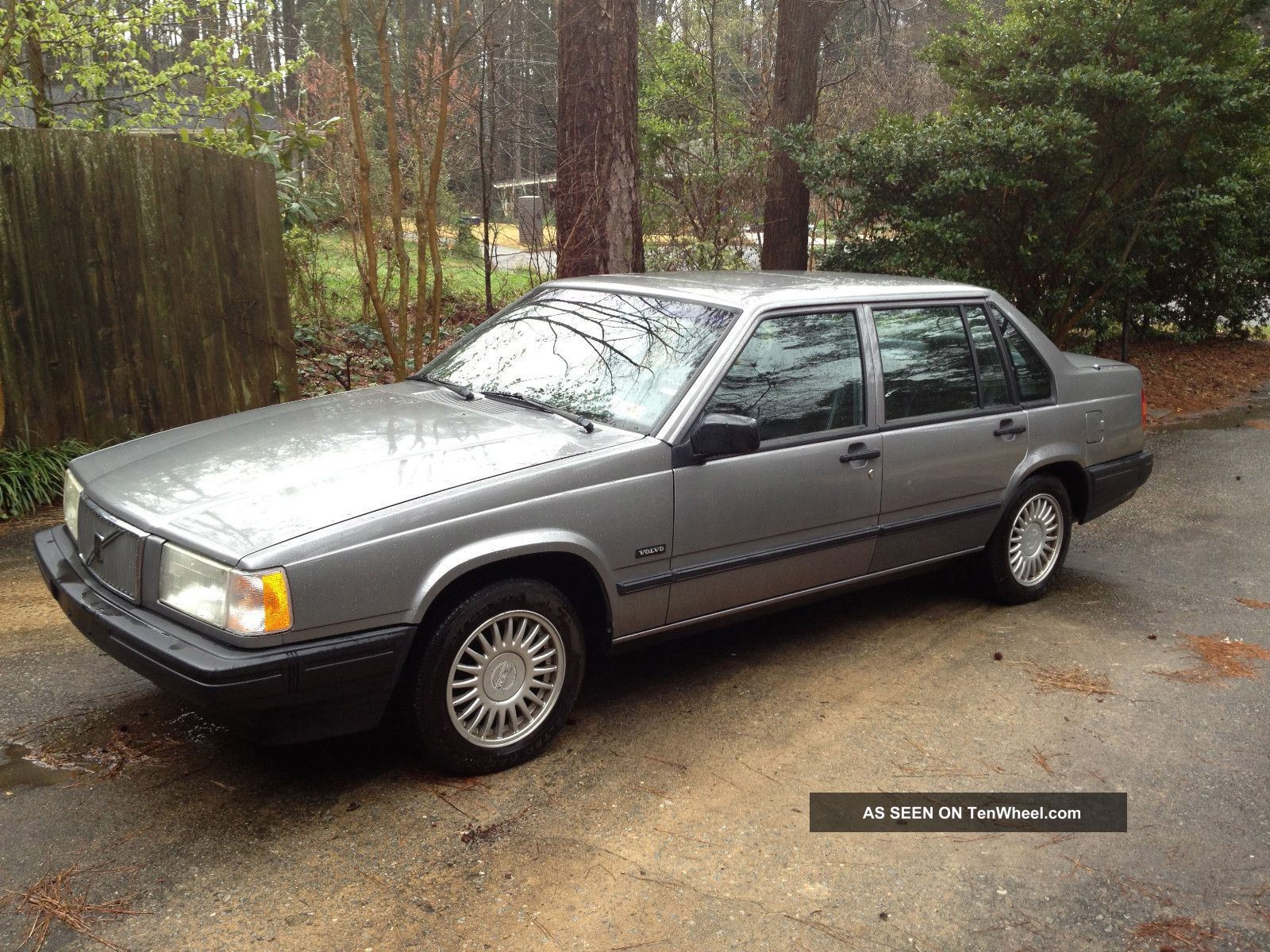 1993 Volvo 940 Base Sedan 4 Door 2 3l