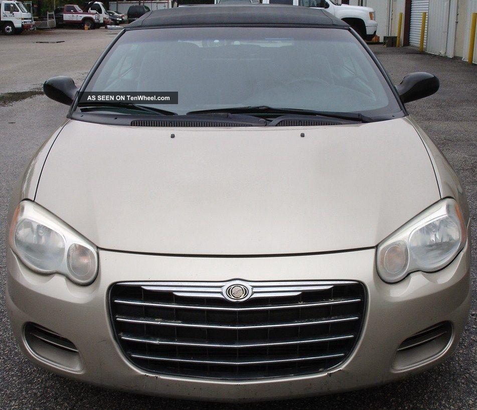 2005 Chrysler Sebring Base Convertible 2